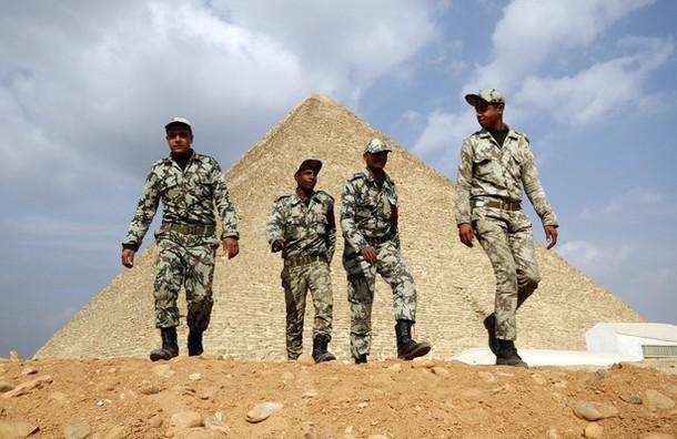 القوات المسلحه المصريه.(شامل) - صفحة 2 610x_1