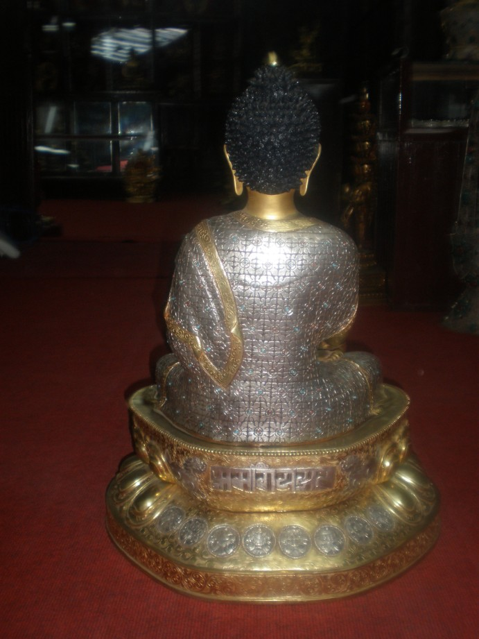 Buddha Statue Design to be kept in Paece Palace